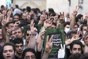 2009_Iran_Protest_German