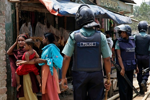 extra judicial killing in bangladesh Extrajudicial killings: the violation of human rights in bangladesh  extra judicial killing  which is the violation of human rights frequently occurred in bangladesh the main objective of the.