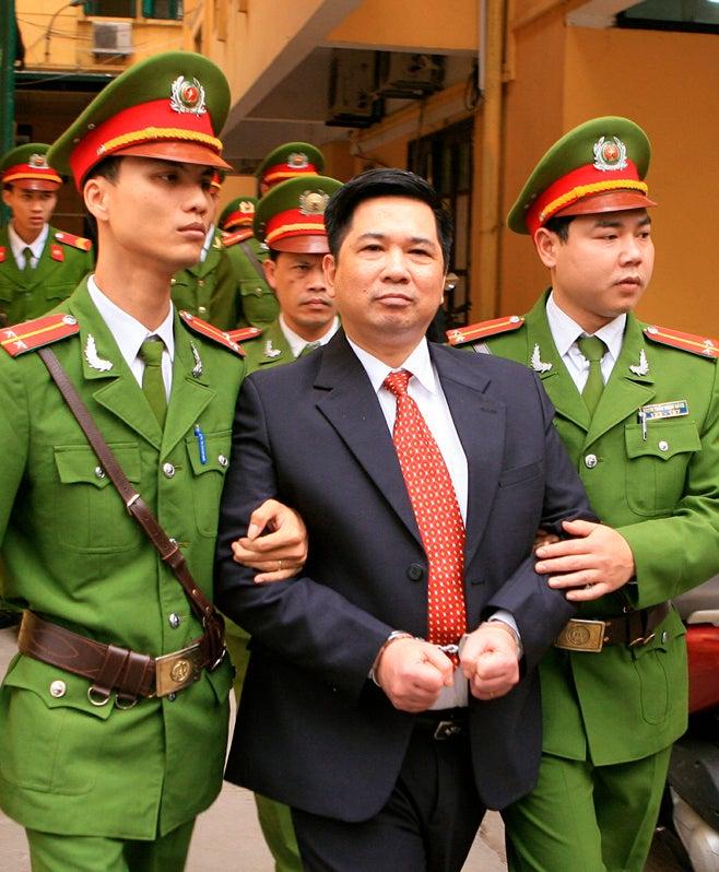 2011_Vietnam_CuHuyHaVu