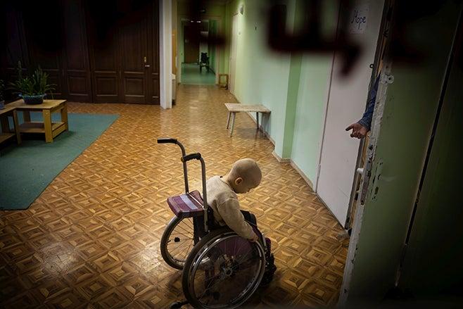2011_Russia_orphanage_presser_DE