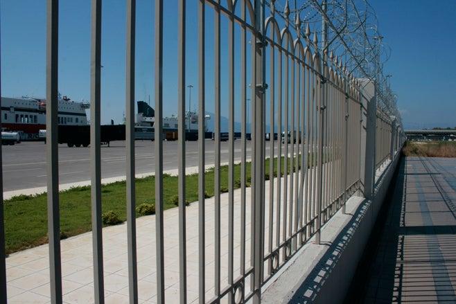 2012_Italy_fence_Italian