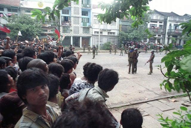 2013_Burma_1988_presser_DE