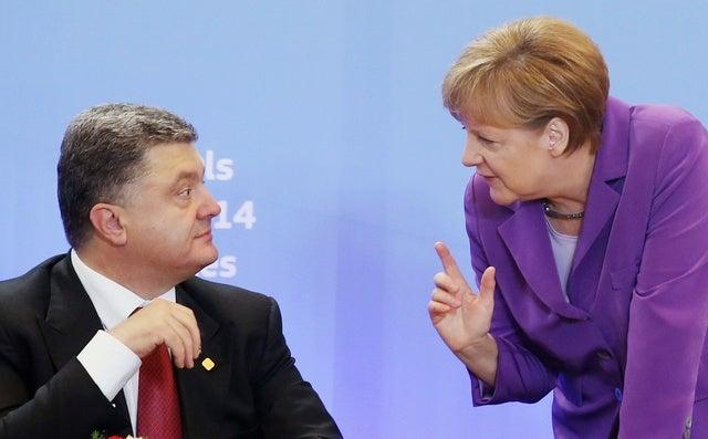 2014_Ukraine_MerkelPoroshenko