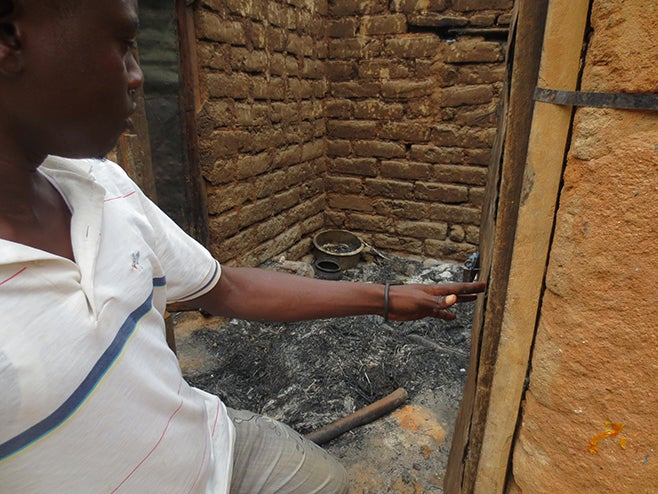 2014_AFR_DRC_BurnedHouse