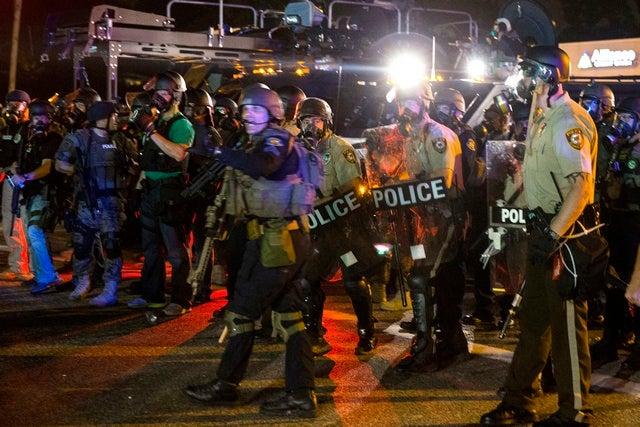 2014_US_Ferguson_Holder_Presser