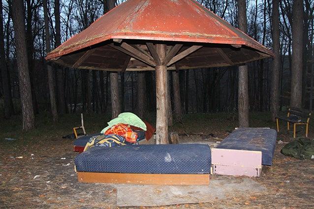 Bogovadja Makeshift Shelter