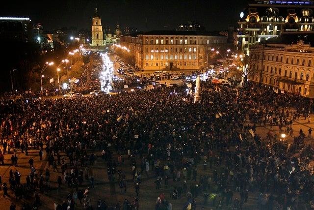 2013_Ukraine_protesters_DE