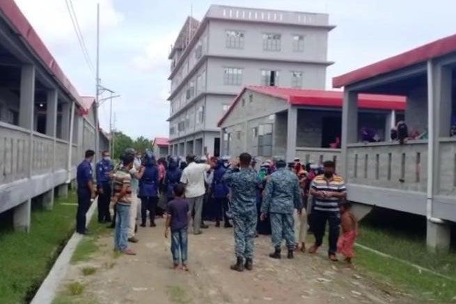 Bangladesh: Halt Rohingya Relocations to Remote Island