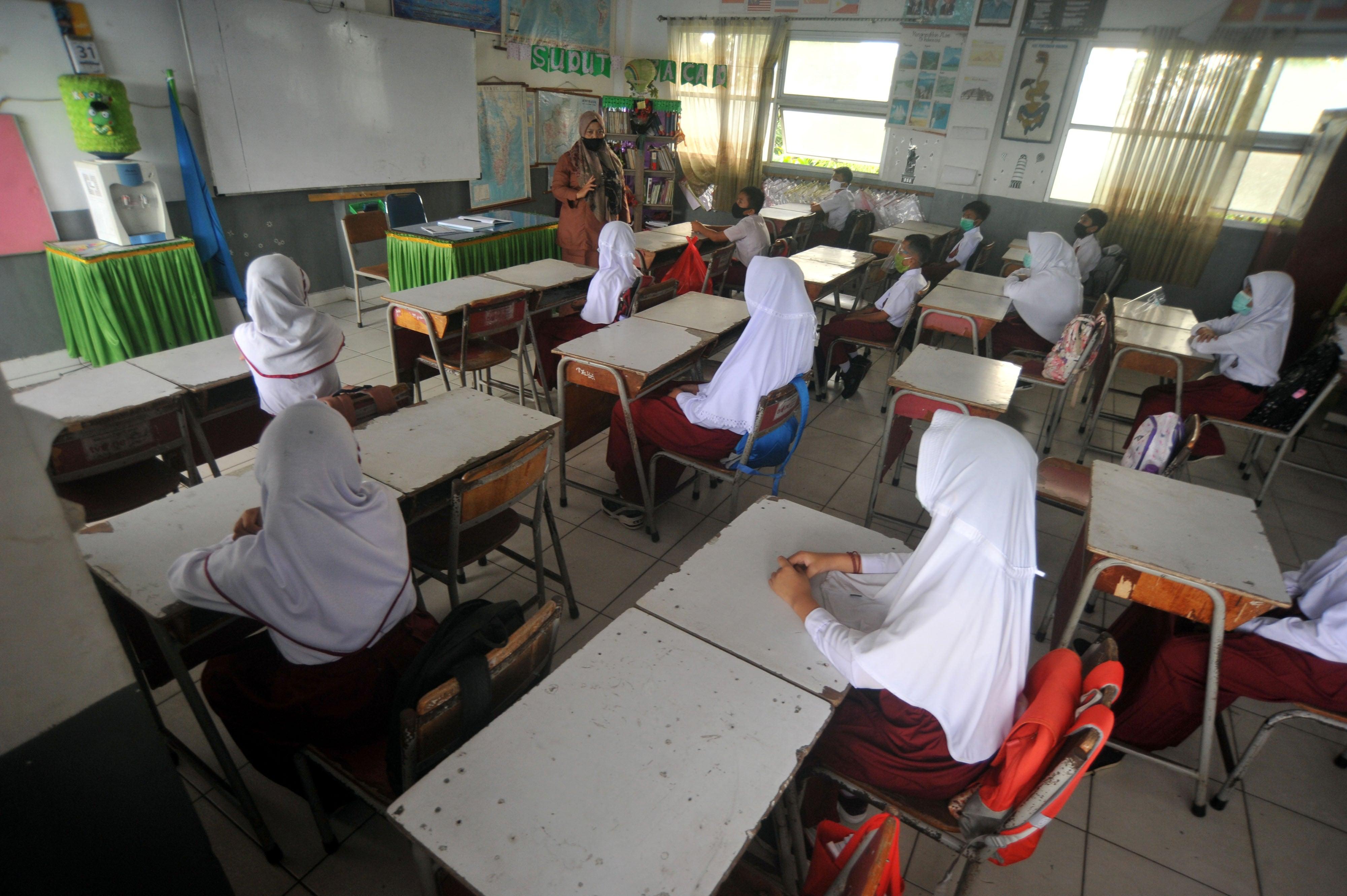 Full ladies indonesia Indonesian Women:
