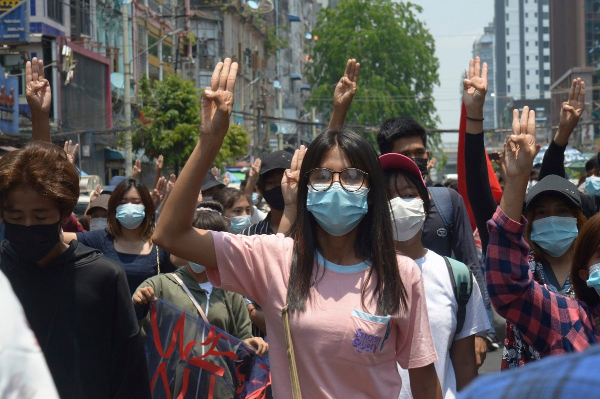 Myanmar: Junta Bans Satellite Television