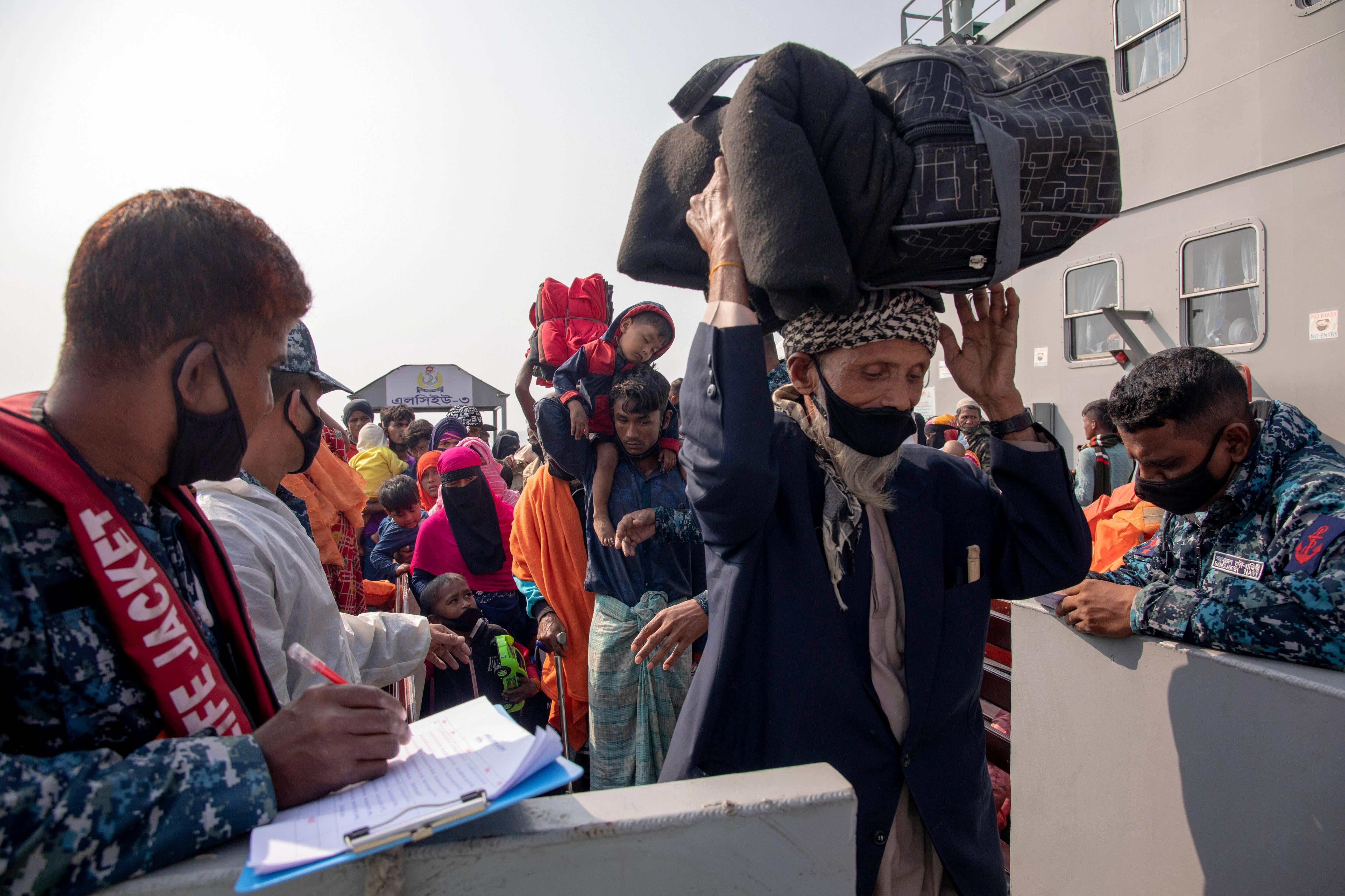 Bangladesh: Rohingya Refugees on Island Fear Monsoon