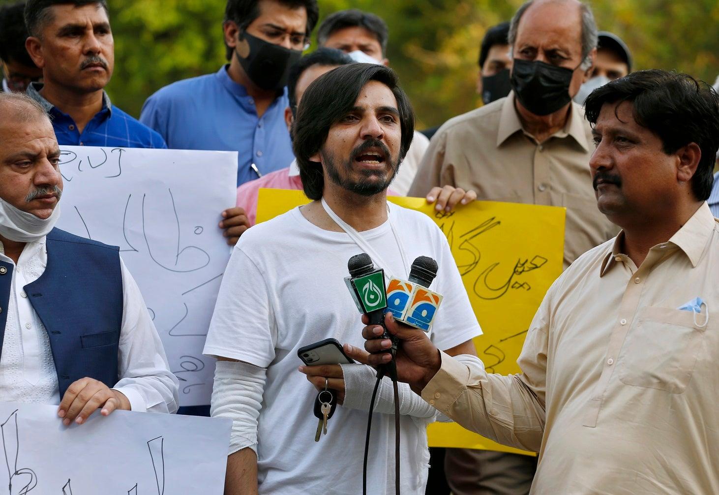 Pakistan: Escalating Attacks on Journalists