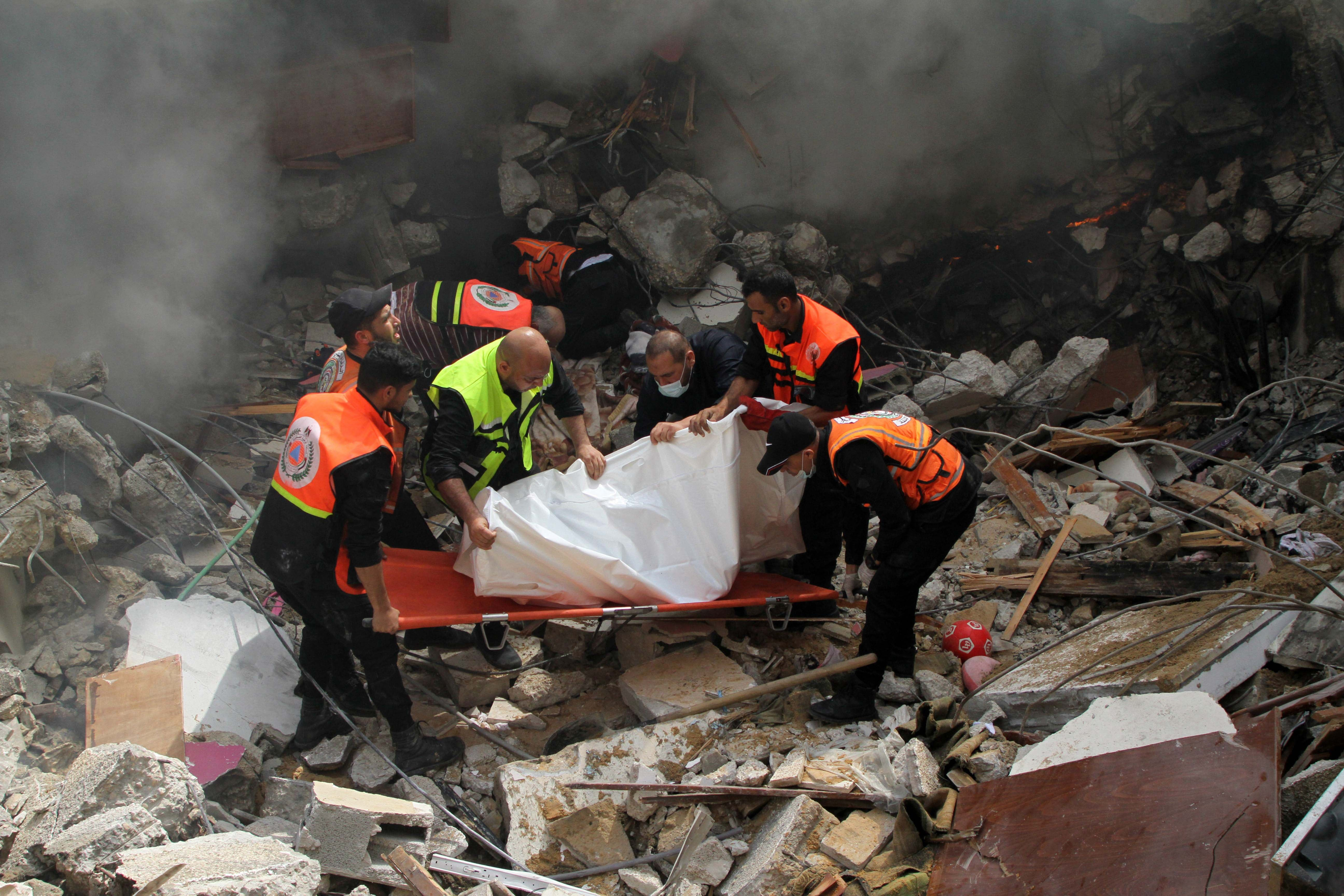 Gaza: Apparent War Crimes During May Fighting