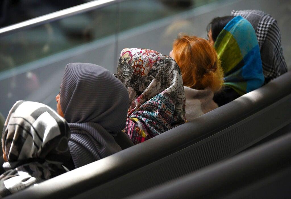 La Cour de Justice de l'UE valide l'interdiction des vêtements religieux sur le lieu de travail