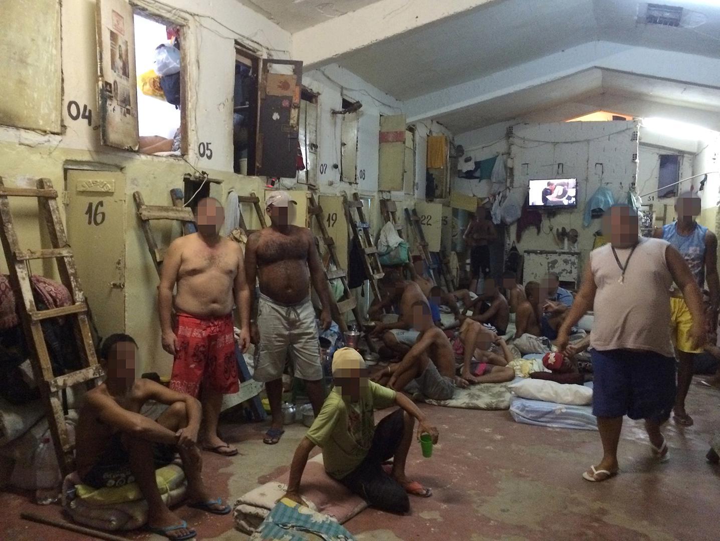 Самая страшная тюрьма в мире 21 фотография