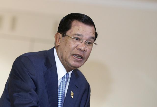 Prime Minister Hun Sen arrives at the National Assembly in Phnom Penh, Cambodia on October 30, 2015.
