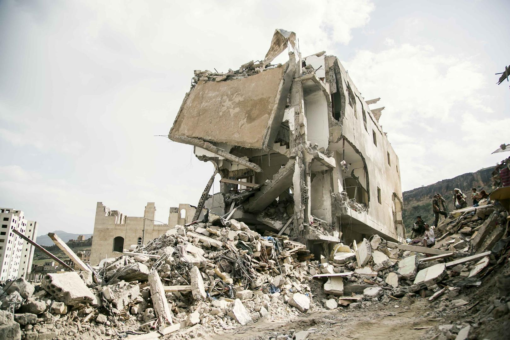 Saudi-led coalition aircraft struck three apartment buildings in Faj Attan, a densely populated neighborhood in Sanaa, on August 25, 2017. Two of the buildings were completely destroyed and the third suffered extensive damage. Saudi-led coalition aircraft