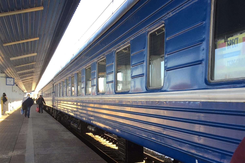 Поезд отправлением в 08:28, на котором ищущие убежища добираются до польской пограничной станции Тересполь. Брест, Беларусь, 7 декабря 2016 г.