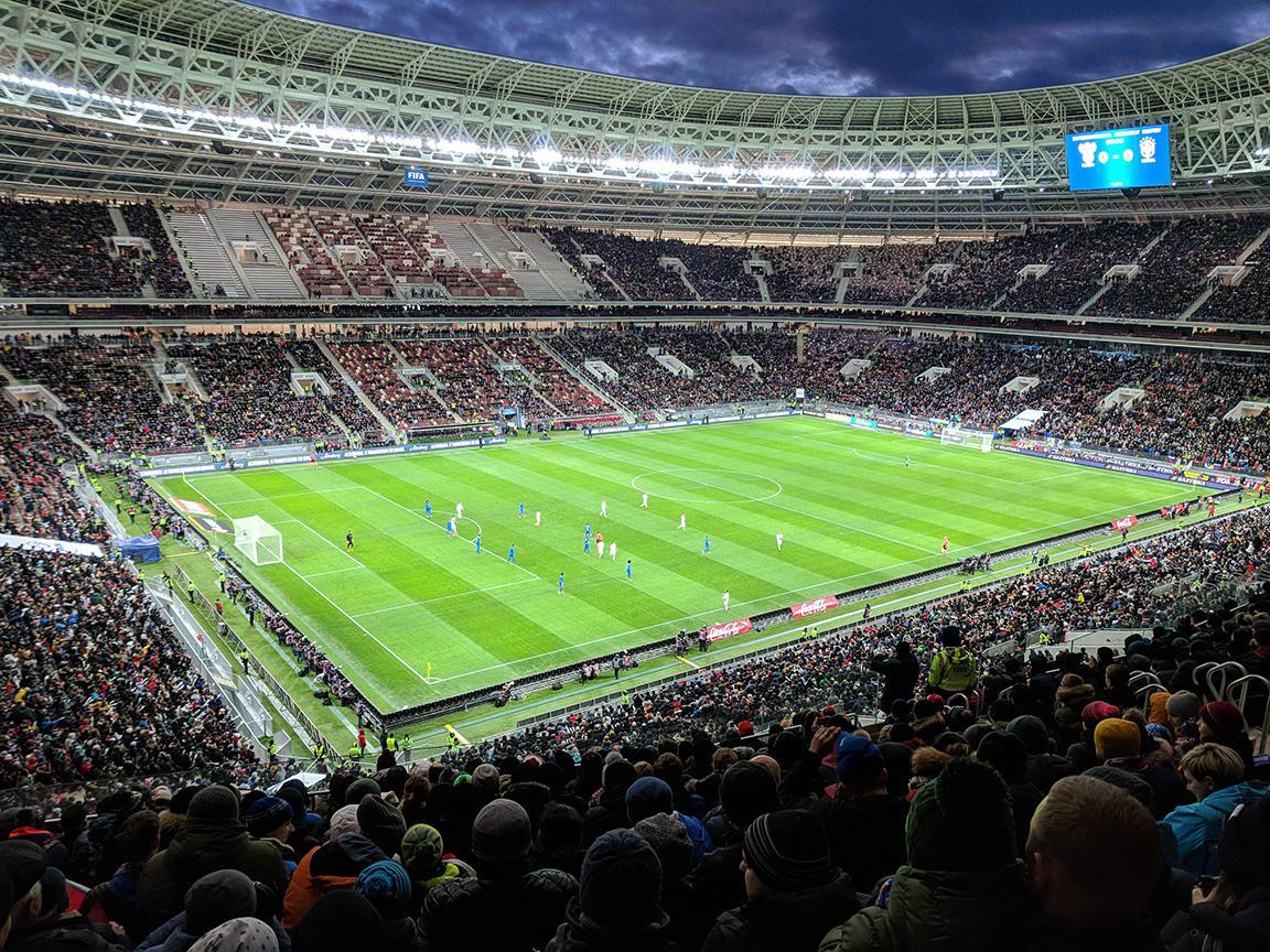 Die russische und brasilianische Nationalmannschaft bei einem Freundschaftsspiel am 23. März 2018 im Luschniki Stadion in Moskau, Russland, wo am 15. Juli auch das WM-Endspiel stattfindet.
