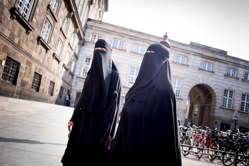 In america niqab Muslim Women