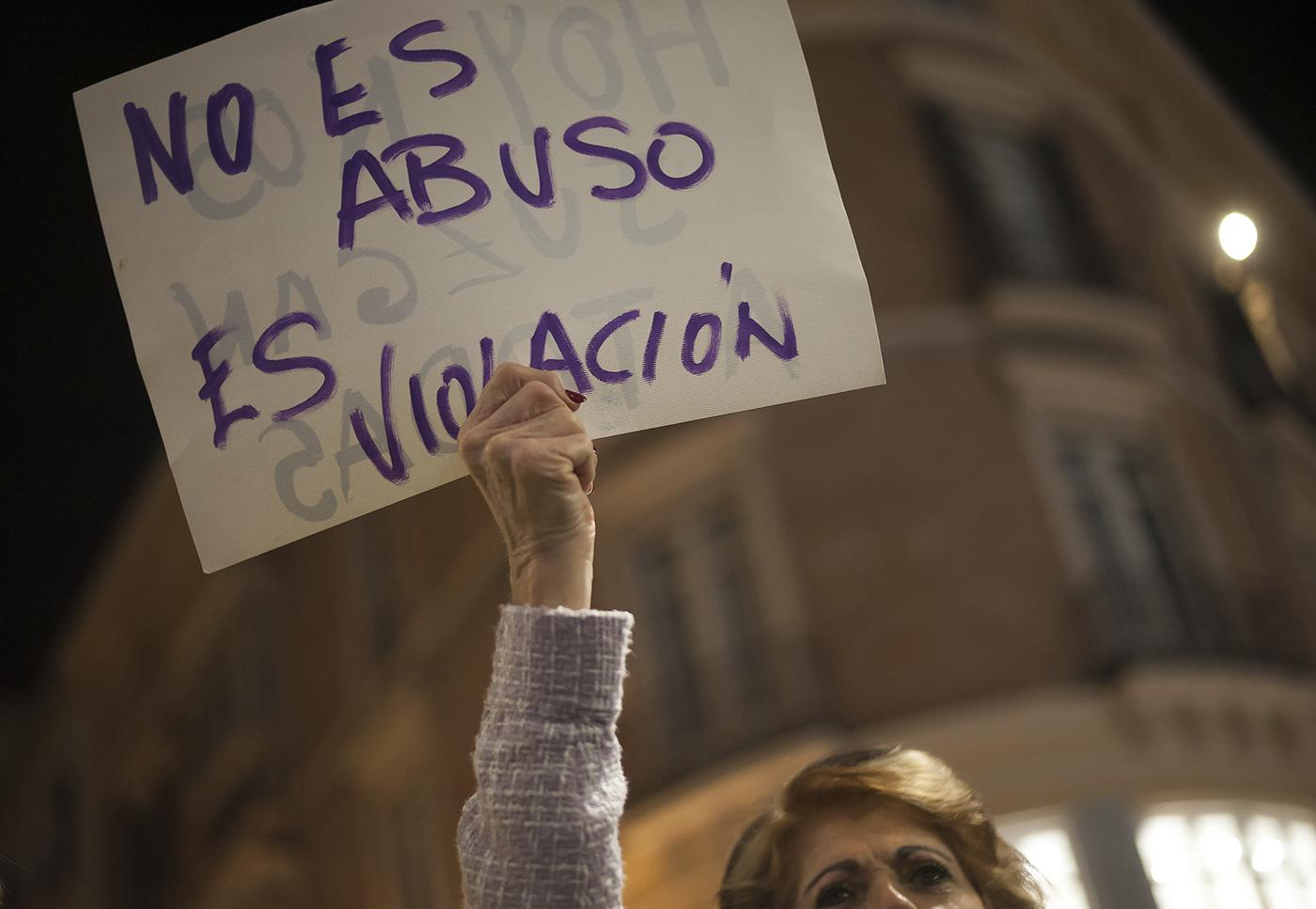 World Report 15: Spain   Human Rights Watch