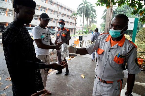 https://www.hrw.org/sites/default/files/multimedia_images_2020/202003africa_nigeria_covid.jpg