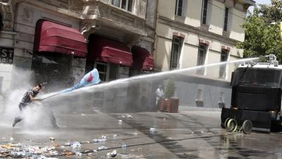 Türkei: Polizeigewalt gegen Demonstranten beenden