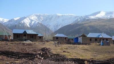 タジキスタン:ダム開発に伴う移住、生活を破壊
