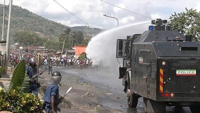 Burundi : Une vidéo met en évidence les abus commis par la police