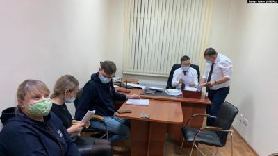 From left to right: the head of Erkindik Kanaty, Elena Shvetsova, with lawyers Olga Enns and Roman Reimer, in the office of the deputy head of the tax department, Erlik Mukanov, Nur-Sultan, Kazakhstan, January 18, 2021.