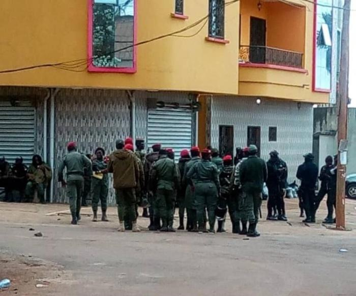 Security forces gather outside the residence of Maurice Kamto, leader of the opposition party Cameroon Renaissance Movement (Mouvement pour la renaissance du Cameroun, MRC) in Yaoundé, Cameroon's capital, on September 28, 2020.