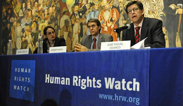 From left, Human Rights Watch's Tamara Taraciuk, Executive Director Kenneth Roth and America's Director Jose Miguel Vivanco at a report launch in Mexico.