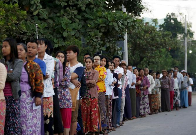 People queue up to vote in Mandalay on November 8.