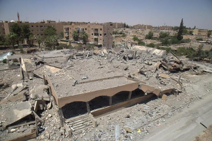 The ruins of a market and bakery in Tabqa after an airstrike on March 22, 2017.