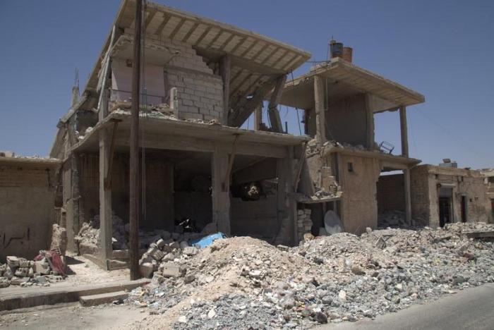 A residential house in Tabqa city that was hit by a coalition airstrike April 25 or 26, 2017, in an attack that killed 16 civilians, including nine children
