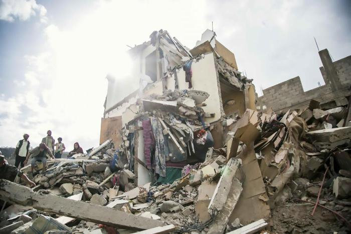 Saudi-led coalition aircraft struck three apartment buildings in Sanaa on August 25, 2017, killing at least 16 civilians, including seven children, and wounding another 17, including eight children. After an international outcry, the coalition admitted to