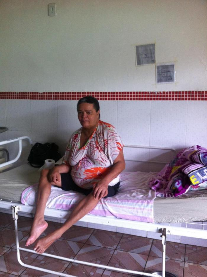 A 50-year-old woman with a physical disability in an institution in the outskirts of Brasília (Distrito Federal). She had lived in the institution for eight years and is not allowed to leave the institution without permission from her sons.