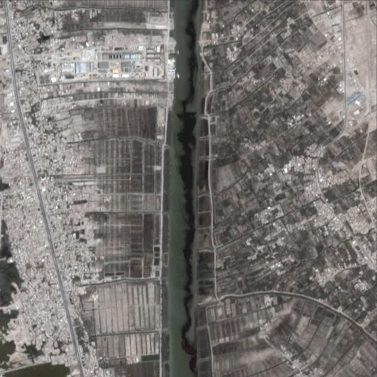 Satellite imagery shows what appears to be a likely oil spill into the Shatt al-Arab near the Nahr Bin Umar oil and gas field, a site run by the Basra Oil Company (BOC), a governmental oil company, about 25 kilometers upstream from Basra city.