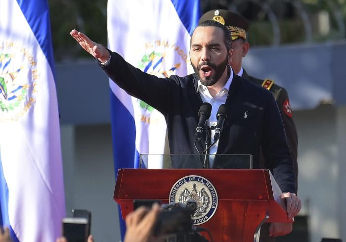 El Salvador: President Defies Supreme Court Bitcoin