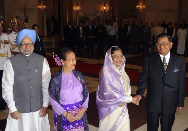 India: Press Burmese Leader on Human Rights