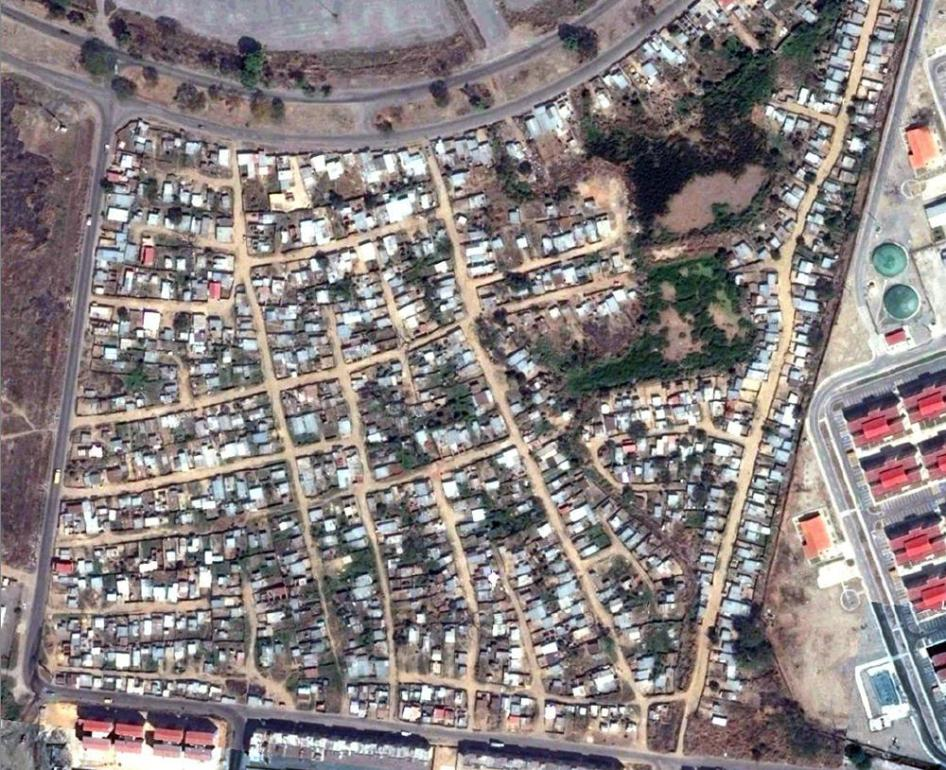 Pre-demolition satellite image of the Brisas del Hipódromo community in Carabobo state, March 2015.