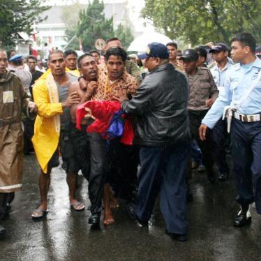 Indonesia: Dejar de perseguir la expresión política pacífica