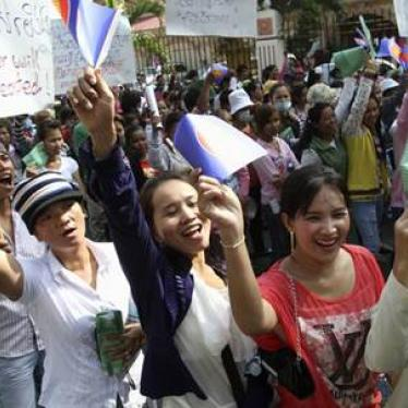 Cambodia: Stop Stalling Union Registrations