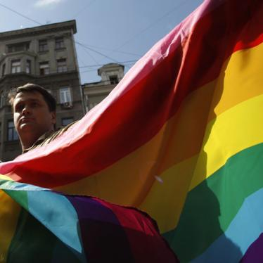 Russia: Investigate Attack on Gay-Friendly Bar