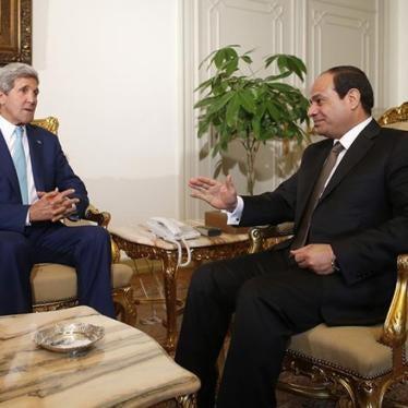 Obama debería condenar públicamente la situación de los derechos humanos en Egipto