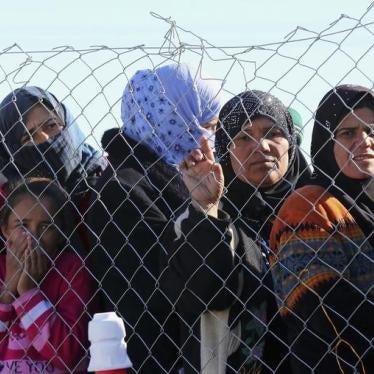 シリア:過激派が女性の権利を抑圧