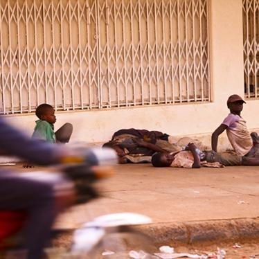 Ouganda : Les enfants sans domicile fixe affrontent la violence et l'exploitation