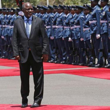 Tanzania's President John Magufuli leaves after inspecting a guard of honour during his official visit to Nairobi, Kenya October 31, 2016.