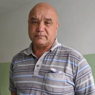 Kamil Ruziev stands in the hospital where he is getting treatment for high blood pressure after two days in the custody of the Kyrgyz national security services.