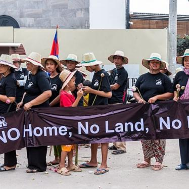 Communities reiterate their calls for adequate housing rights and an end to land conflicts on World Habitat Day in Phnom Penh, Cambodia, October 5, 2015.